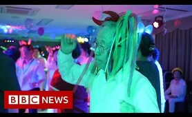 Seoul's over-65s disco 'like medicine' for seniors - BBC News
